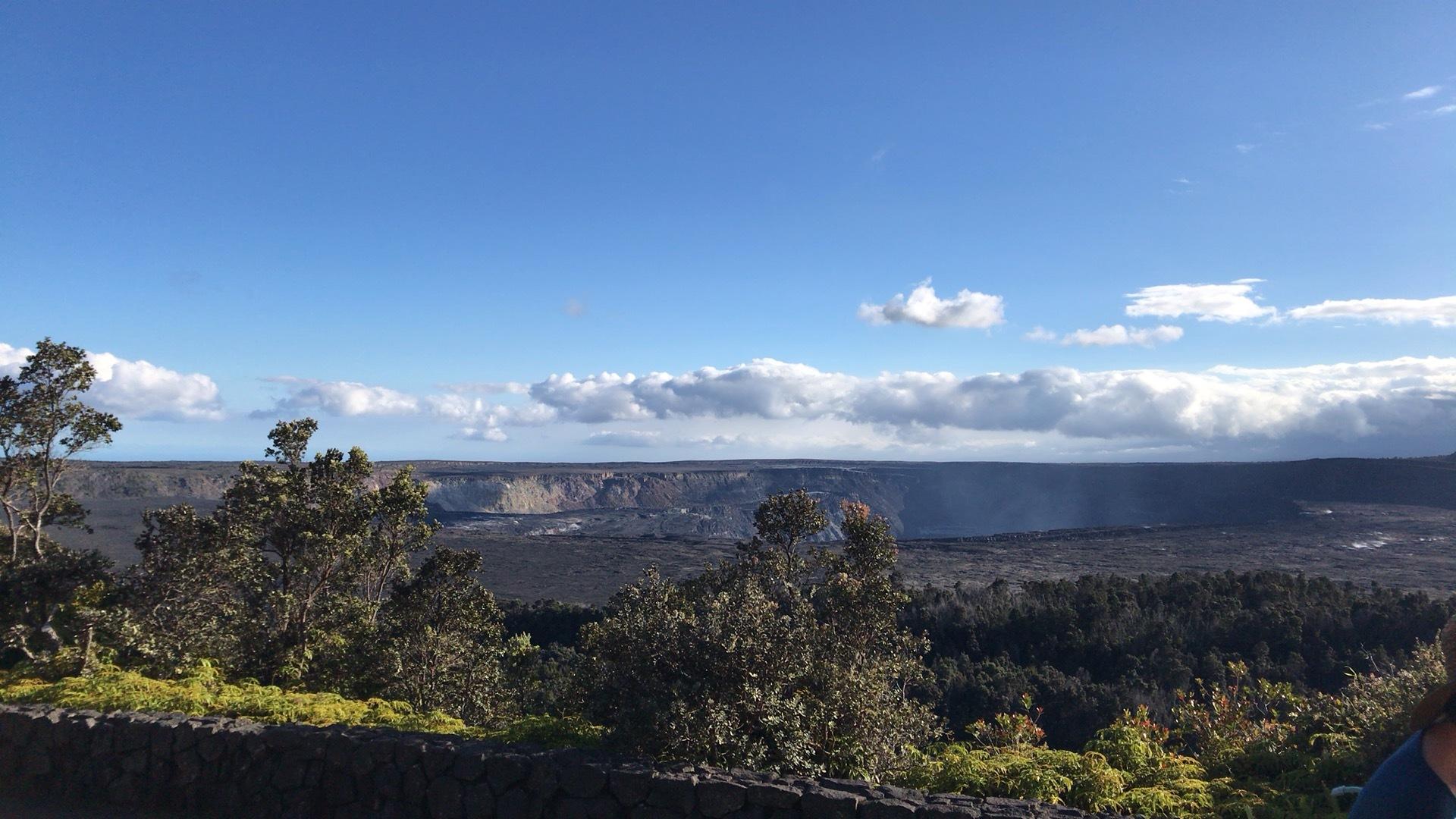 やはりハワイ島の大自然に圧倒されました。 マウナケアのデモ、満月の夜で満天の星空を見れなかったので拍子抜けでした、、、