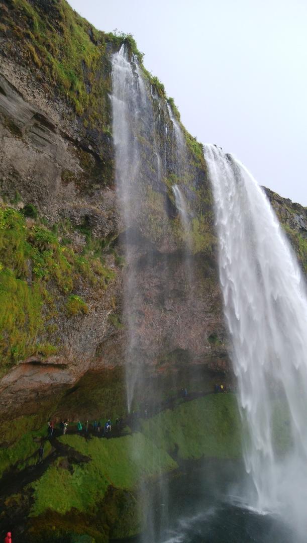 アイスランドの南の方の滝や氷河湖や海岸を見に行きました ゴールデンサークルの次には訪れた方がいいと思いました