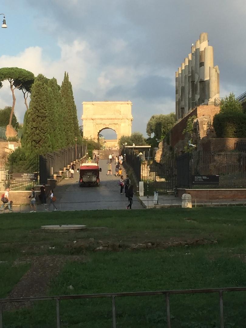 一日で、ローマ市内とバチカンの観光が叶う充実の濃い時間となりました❗️おまけに昼食に美味しいピザと、おやつのジェラートは最高❗️