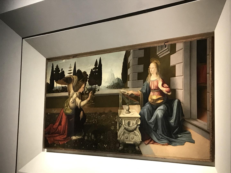 イタリアに再訪する事があれば、是非またリピートしたいと想える程、素晴らしいツアーでした。 初めて専属ガイドさんのオプショナルツアーを申し込みましたが、他の観光客の方のペースに合わせる必要もなく、友人グループで充実してました。 アカデミアとウフィツィ美術館の2箇所を午前中で回る為、時間的にはかなりタイトではありましたが、各美術作品に対し要点を抑えた解説と時間配分が良かったです。  またツアーには含まれておりませんが、フィレンツェでのオススメのご飯屋さん・ジェラート屋さん・お土産屋さんなど、本当に現地の方がオススメしてくれるお店の情報も細かく頂けたので、その後の行動もかなりスムーズに出来ました。 またディナーにオススメのお店も、気を利かせてお店に電話して確認してくれたりと、多方面でのサービス要素が強かったです。  おかげで、初イタリア旅行でしたが、とても充実した一日になりました。 本当に、ありがとうございました! (ガイドさんのお名前忘れてしまいましたが…このレビューがご本人様にも届くことを願っております。)