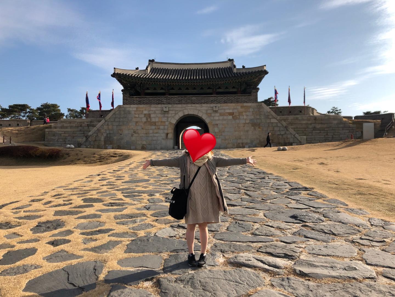 初めての海外で不安だらけでしたが、自分では行けないような世界遺産めぐりとチマチョゴリが着られて大満足の旅になりました!!!ガイドさんもとても親切ですよ!おすすめです!
