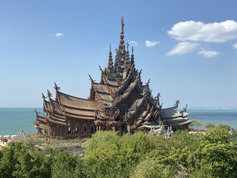 サンクチェアリートゥルースには感動しました。さすが仏教国でした タイ人のガイドさんも大変丁寧な説明していただきタイの歴史を色々教えていただきもっと知りたくなりましたまた行きたいです