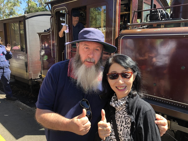 タイトルどおり。 go go toursの上田豪さんの案内がよかったです。 シャンドンとイエリングの二箇所のワイナリー最高。蒸気機関車のパッフィン・ビリーもいいね!