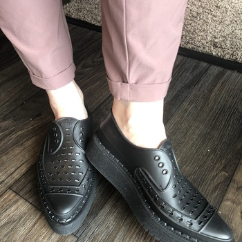 Love these shoes. Cool look