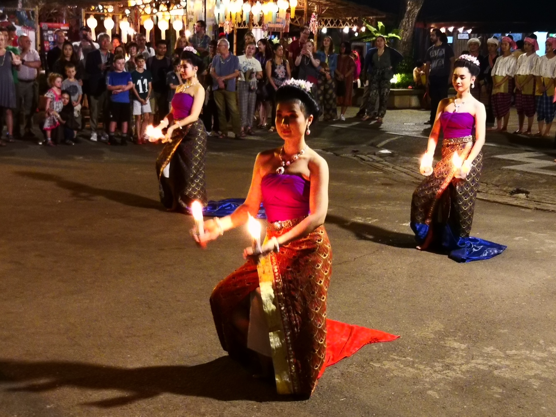 優雅な舞踊、美味しい食事 大満足でした