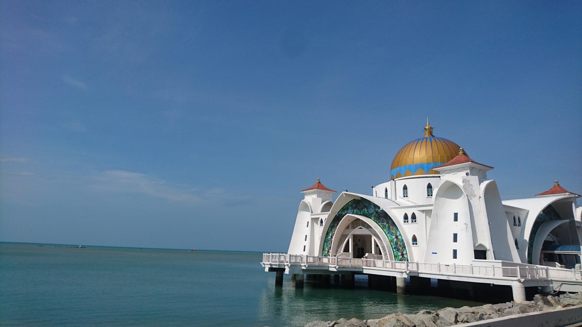 ガイドのエドモンドさんのガイドでマレーシアの国のことや人々の生活、またイスラム教のことなど、沢山学べました。マラッカへはひとりだと行きにくいので、とても助かりました。何よりシングル参加で料金が2倍にならないオプショナルツアーはここだけでした。ありがとうございました❗