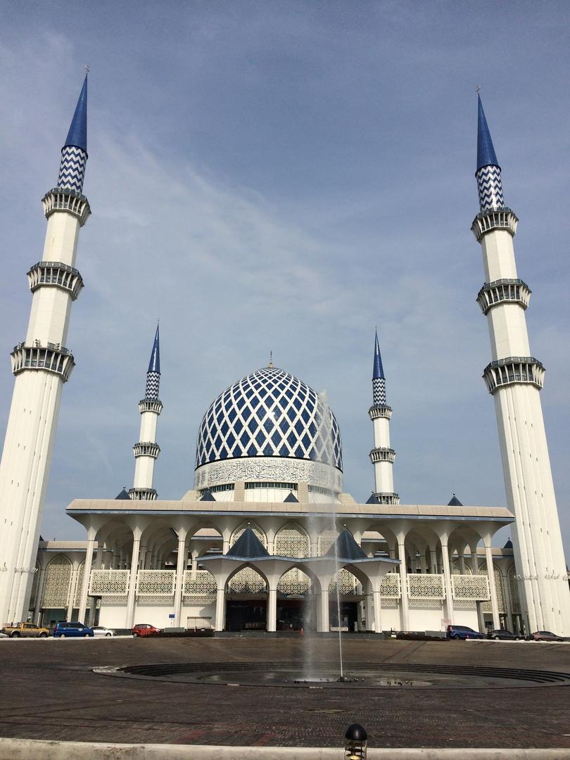 ブルー、ピンクモスクとっても綺麗でした🕌 ガイドさんが写真を撮ってくれたり、とても気さくな方で、大変満足しています!!