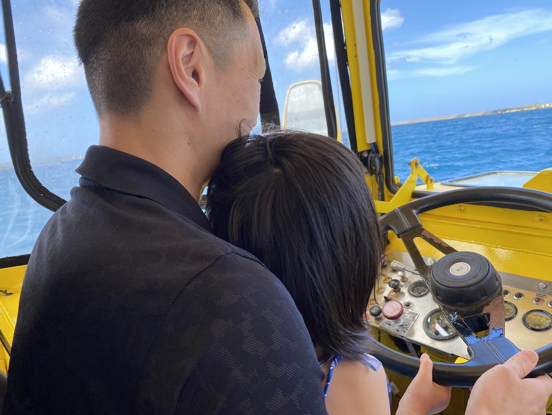 前回滞在時には調整中で乗る事が出来ず...今回は絶対乗りたい!と思っていたところ『初夢フェア』でお安く参加出来ました^_^ 陸地ではグアムの歴史を伝えてくれ大人は満足。海上では大人も子供も大満足でした!窓がないので綺麗な写真もたくさん撮れて、船長さんもフレンドリーでとっても楽しかったです!