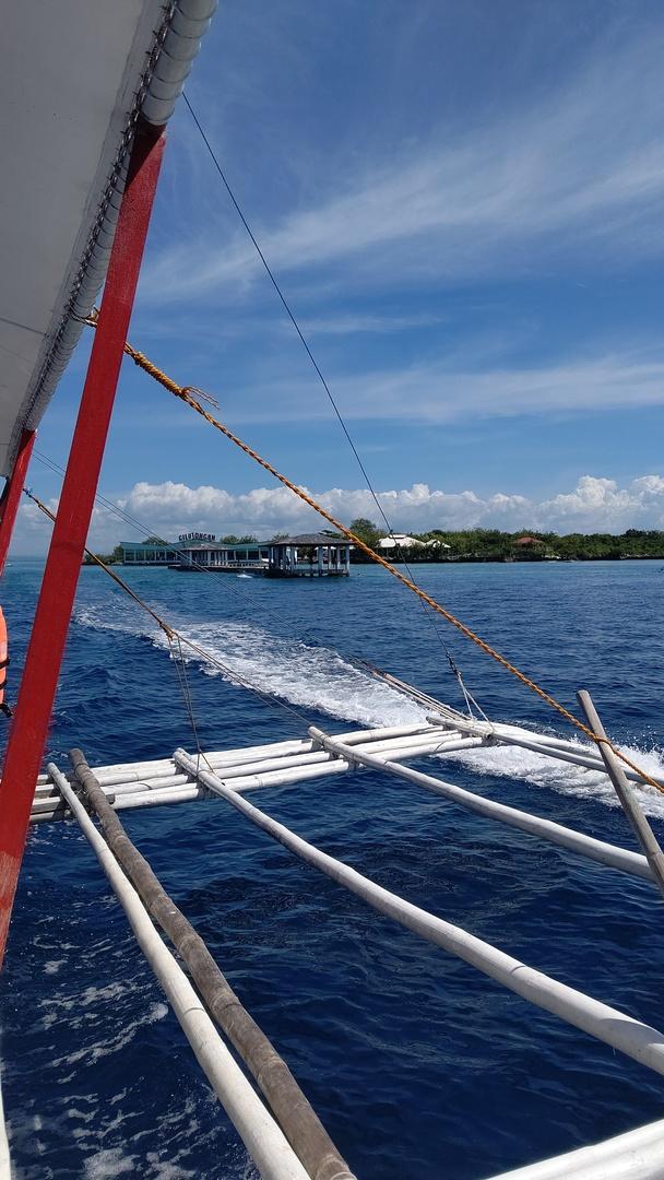 彼女が「綺麗な海を見たい」と言ったことから決まったアイランドピクニック。 バンカーボートに揺られながら行くシュノーケルと島に上陸してからのビュースポットでの撮影会やお買い上げしたシャコ貝·アワビ·サザエ·ホタテ·ハマグリなども焼いてもらったものも含めたBBQ最高! 素敵な時間ありがとうございます!
