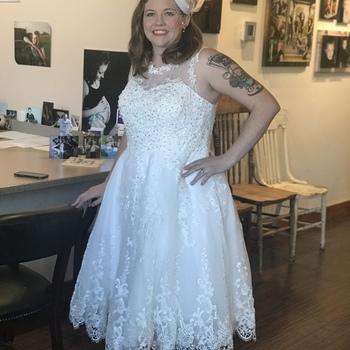 Unique Vintage Plus Size 1950s Ivory Lace & Tulle Riviera Bridal Dress