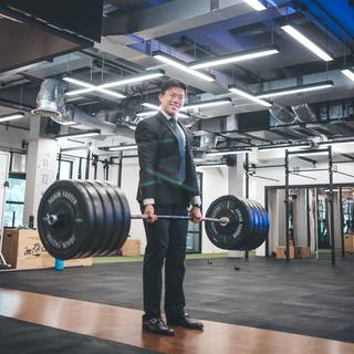 Suitup Sundays . Great Success = when you manage to pick up 455lbs without tearing your pants😂 . Ps. To whoever told me that deadlifting in a suit made things easier....y'all lied😤 . P.p.s. Your turn next acmossadeg 😉 . See the behind the scenes video o...
