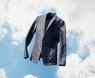 Just Launched: Kinetic Dot Air Blazer Last year we launched Labs Dot Air, an innovative blazer engineered with a focus on warm-weather performance. The experiment was a huge success, so we're bringing Dot Air out of beta just in time for summer. Dot Air is...