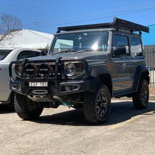 jimny.offroader is now ready for anything after being fitted with a RUNVA EWX9500 winch. We previously kitted this little beast out with the awesome Front Runner Roof Rack.   Contact us now to plan your build. 📞02 9829 3880 ✉️sales@select4wd.com.au 💻www.select4wd.com.au 📍Unit 1, 2 Heald Road, Ingleburn, NSW, 2565  #select4wd #select4wdproducts #runva #runvawinch #4wdwinch #electricwinch #ewx9500 #frontrunner #frontrunneroutfitters #frontrunnerroofrack #suzuki #suzukijimny #newjimny #jb74 #jimny #suzuki4wd #suzuki4x4