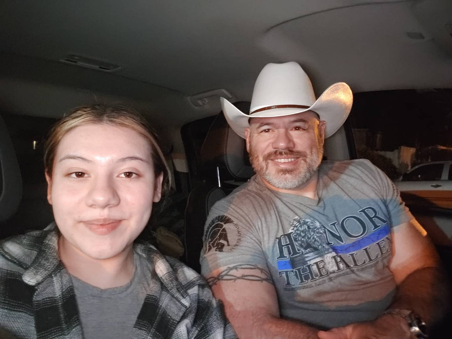 From last November, beginning of the road trip with my daughter to the USPA Drug Tested North American Powerlifting Championships. relentless_defender #fatherdaughter #daughtersarethebest #familytime #familyiseverything #family #blessed #thinbluelinesfinest #thinbluelinefamily #thinblueline #blessed🙏 #blessedlife #godblesstheusa #relentlessdefenderapparel #relentlessdefender
