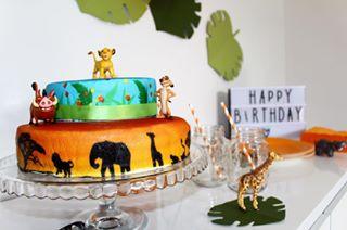 Simba Timon Et Pumba Sur Gâteau Savane Double étage