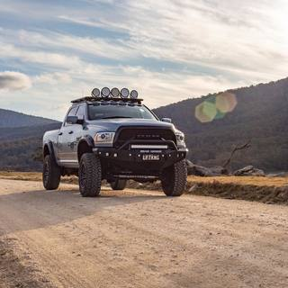 T H E  B I G  B O S S.🔥 #LiftKing #ram2500 #ramtrucks #truckdaily #dieselbrothers #fueloffroad #madinah4x4 #madinahwheelsandtyres