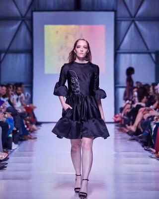 9f7db389cb4255 classic black dress. // 📸: jonericjohnson