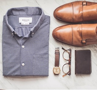 A great Saturday look from noahwilliamsstyle 👊 love how the variety of browns work together with the blue. . . . #photooftheday #vsco #vscocam #ootd #wiwtd #menswear #mensstyle #mensfashion #shoes #outfits #ralphlauren #glasses #rolex #watchesofig #watch ...