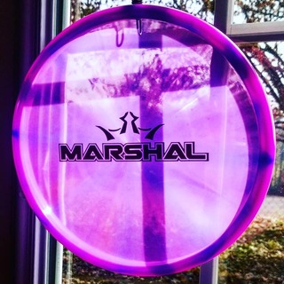 Such a fantastic bar stamp #marshal in #lucid plastic. Light purple with hints of blue around the rim! Compliments to dynamicdiscs live shopping for finding this one for me! Check them out weekly and see what good stuff they can find for you! #dynamicdiscs #bedynamic #discgolf4life #discgolfislife #discgolfphotos #discgolf #freediscfriday #frisbee #frisbeegolf #chains #growthesport