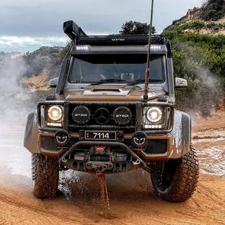 Mid week dirt is the best kind of dirt with the theofficialbrabus #brabusadventure  .. #brabusadventure  #overlandkitted  #4x4squared  #portaltheworld  #explore_4x4  #4wdaustralia  #4wdaction  #stedi #stedilights #warnwinch  #frontrunneroutfitters  #arboffroad  #fiskarsaxe #gme #supersprintexhaust  #payustech #supashock4x4 #indeflate #gclass #g63  #offroad #offroading